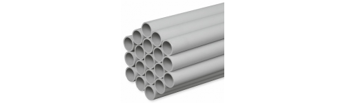 Tubo rígido gris de PVC con manguito