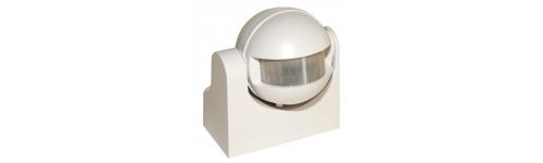 Detectores de movimiento y sensores sonoros